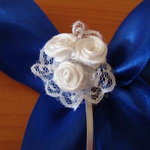 Синий бант с розами 17