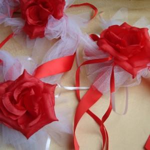 Комплект украшений на машину красный розы