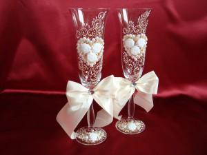 Свадебные бокалы с розочками и стразами 11