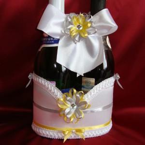 Украшение на шампанское серый жёлтый 36