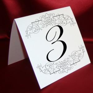 Карточка с номером стола 6