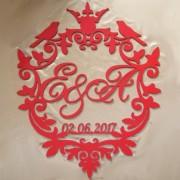 красный герб с вензелями на свадьбу 5