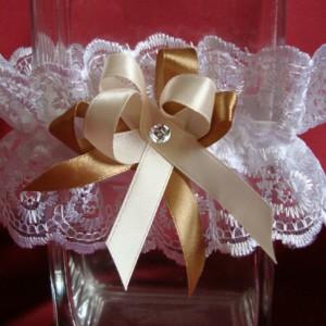Подвязка невесты кружевная Аделина мятный молочный