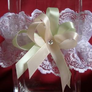 мятная подвязка для невесты 40