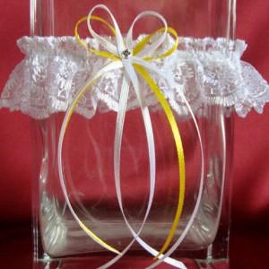 Желтая свадебная подвязка 53