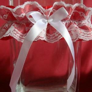 Красная ажурная подвязка невесты 63