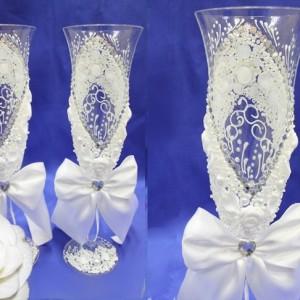 Белые бокалы на свадьбу Богемия с цветами 79