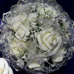 Латексные розы белые 30