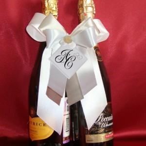 Украшение на шампанское с инициалами айвори 61
