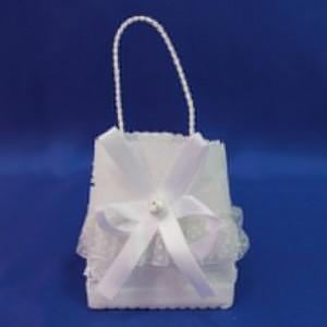 Торосик сумочка с бантиком белая