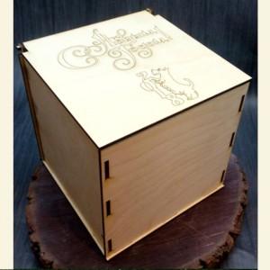 Новогодняя коробка-шкатулка 2018для подарков 15х15х15 см