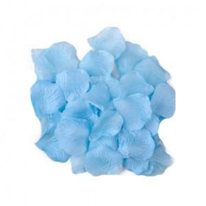 Голубые лепестки роз