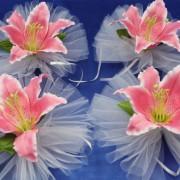 Розовая лилия на ручку машины на свадьбу 44