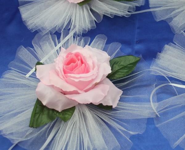 Нежно-розовая роза на ручку машины 46