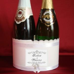 Украшение на свадебное шампанское с именами