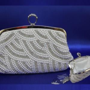 сумочка невесты серебро