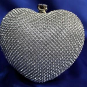 клатч в виде сердца 15