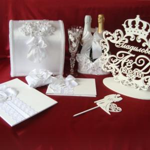 Белый комплкт аксессуаров на свадьбу